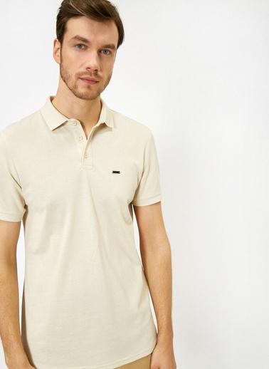 Koton Polo Yaka Metal Logo Detayli Slim Fit T-Shirt Ekru